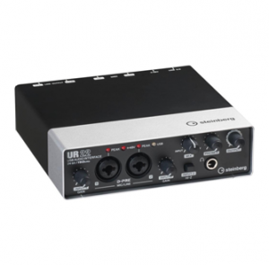 Steinberg UR22 vs  Focusrite Scarlett 2i4 – Here's a Hint… There Is